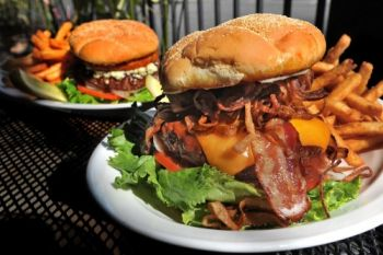 Chilli Peppers Grill & Pupuseria, Bacon Beef Burger