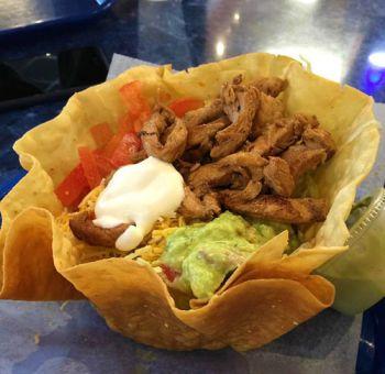 Chilli Peppers Grill & Pupuseria, Taco Salad