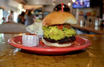 Chilli Peppers Grill & Pupuseria, Tex Mex Burger